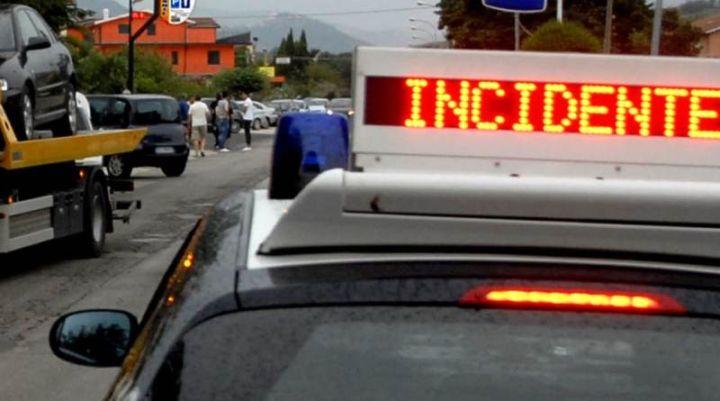 """Terni, traffico bloccato sulla strada statale 3 bis """"Tiberina"""" per un incidente"""