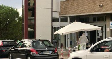 Perugia, Boom di tamponi drive-through a piazzale Europa, trasferimento postazione