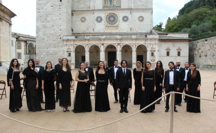 Spoleto, grande successo per il concerto in piazza Duomo