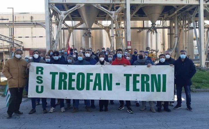 Treofan manda a casa 142 dipendenti, 139 a Terni. Arrivate le lettere di licenziamento, sciopero alla Sangemini.