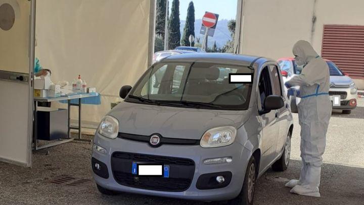 """Orvieto, operativa nuova postazione tamponi rinofaringei """"Drive through"""""""