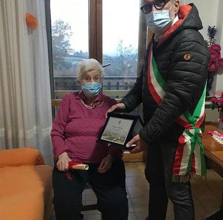 San Venanzo, Giacomina Crocioni compie 100 anni, sindaco Marinelli formula auguri