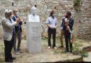 Perugia, svelato il busto dedicato a Gerardo Dottori. Baiocco d'oro a Massimo Duranti